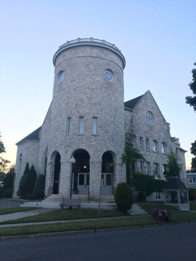Lovely 'castle' in Canastota,NY