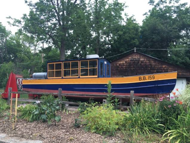 Bouy Boat