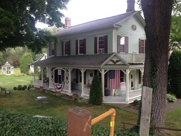 Adams Basin Inn